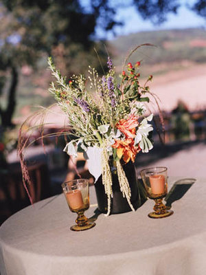 Flowers & Decor, Real Weddings, green, brown, Centerpieces, Rustic Real Weddings, West Coast Real Weddings, Eco-Friendly Real Weddings, Summer Real Weddings, Vineyard Real Weddings, Eco-Friendly Weddings, Rustic Weddings, Vineyard Weddings, Eco-Friendly Wedding Flowers & Decor, Rustic Wedding Flowers & Decor