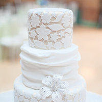 Cakes, Real Weddings, Wedding Style, white, Classic Wedding Cakes, Ribbon Wedding Cakes, Round Wedding Cakes, Wedding Cakes, Spring Weddings, City Real Weddings, Classic Real Weddings, Midwest Real Weddings, Spring Real Weddings, City Weddings, Classic Weddings