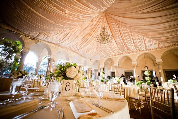 Flowers & Decor, Real Weddings, Wedding Style, white, Tables & Seating, Classic Real Weddings, Classic Weddings, Classic Wedding Flowers & Decor, West Coast Weddings
