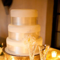 Cakes, Real Weddings, Wedding Style, white, gold, Classic Wedding Cakes, Modern Wedding Cakes, Wedding Cakes, Classic Real Weddings, Classic Weddings, West Coast Weddings