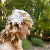 Beauty, Flowers & Decor, Real Weddings, Wedding Style, white, Down, Wavy Hair, Hairpin, Bride Bouquets, Summer Weddings, West Coast Real Weddings, Classic Real Weddings, Summer Real Weddings, Classic Weddings, Classic Wedding Flowers & Decor, Summer Wedding Flowers & Decor