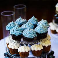 Cakes, Real Weddings, Wedding Style, white, blue, Cupcakes, Summer Weddings, West Coast Real Weddings, Classic Real Weddings, Summer Real Weddings, Classic Weddings