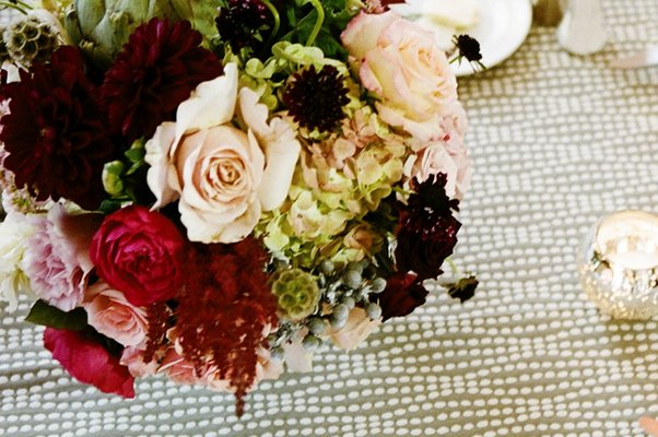 Flowers & Decor, Real Weddings, Wedding Style, red, Centerpieces, West Coast Real Weddings, Classic Real Weddings, Classic Weddings