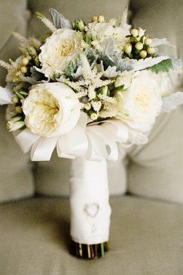 Flowers & Decor, Real Weddings, Wedding Style, Bride Bouquets, Beach Real Weddings, West Coast Real Weddings, Classic Real Weddings, Beach Weddings, Classic Weddings, Classic Flowers & Decor