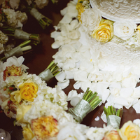 Cakes, Real Weddings, Wedding Style, yellow, Classic Wedding Cakes, Floral Wedding Cakes, Round Wedding Cakes, Wedding Cakes, Southern Real Weddings, Summer Weddings, Summer Real Weddings, Southern weddings