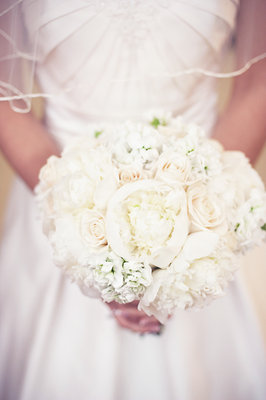Flowers & Decor, Real Weddings, Wedding Style, white, Bride Bouquets, Summer Weddings, Midwest Real Weddings, Summer Real Weddings, Classic Wedding Flowers & Decor