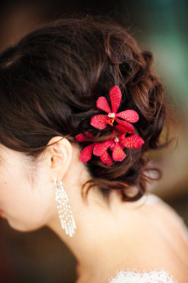 Beauty, Real Weddings, Wedding Style, red, Updo, Fall Weddings, Modern Real Weddings, City Real Weddings, Fall Real Weddings, City Weddings, Modern Weddings, Hair flower