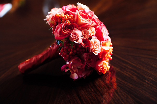 Flowers & Decor, Real Weddings, Wedding Style, red, Bride Bouquets, Fall Weddings, Modern Real Weddings, City Real Weddings, Fall Real Weddings, City Weddings, Modern Weddings