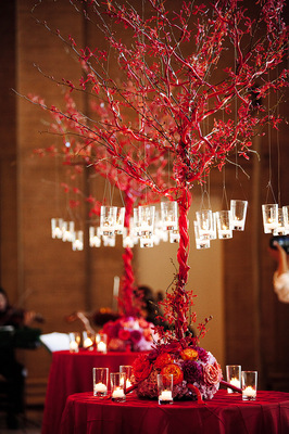Flowers & Decor, Real Weddings, Wedding Style, red, Centerpieces, Fall Weddings, Modern Real Weddings, City Real Weddings, Fall Real Weddings, City Weddings, Modern Weddings, Fall Wedding Flowers & Decor, Modern Wedding Flowers & Decor