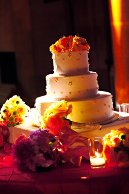 Cakes, Real Weddings, Wedding Style, Modern Wedding Cakes, Wedding Cakes, Fall Weddings, Modern Real Weddings, City Real Weddings, Fall Real Weddings, City Weddings, Modern Weddings