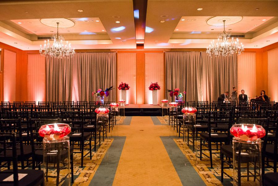Real Weddings, Ceremony Flowers, Fall Weddings, Modern Real Weddings, Fall Real Weddings, Modern Wedding Flowers & Decor, modern wedings