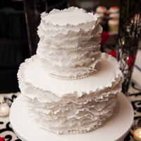 Cakes, Real Weddings, Wedding Style, white, Round Wedding Cakes, Wedding Cakes, Fall Weddings, Modern Real Weddings, Fall Real Weddings, modern wedings