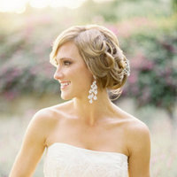 Beauty, Jewelry, Wedding Style, ivory, Earrings, Wedding Makeup, Chignon, Updo, Bride Bouquets, Wedding Hair, West Coast Real Weddings, Classic Real Weddings, Classic Weddings, West Coast Weddings