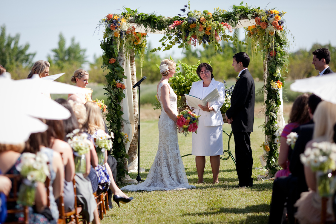 Ceremony, Flowers & Decor, Real Weddings, Outdoor, Spring Weddings, Summer Weddings, West Coast Real Weddings, Spring Real Weddings, Summer Real Weddings, Arch, Casual, Farm wedding, West Coast Weddings, Organic Real Weddings, Organic weddings, Farm Real Weddings