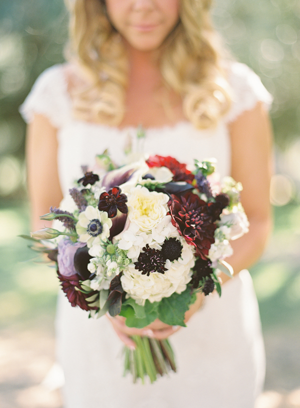 Flowers & Decor, Real Weddings, Wedding Style, Bride Bouquets, Fall Weddings, Rustic Real Weddings, West Coast Real Weddings, Fall Real Weddings, Vineyard Real Weddings, Rustic Weddings, Vineyard Weddings, Fall Wedding Flowers & Decor, Rustic Wedding Flowers & Decor, Vineyard Wedding Flowers & Decor