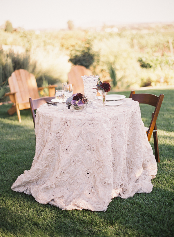 Flowers & Decor, Real Weddings, Tables & Seating, Fall Weddings, Rustic Real Weddings, West Coast Real Weddings, Fall Real Weddings, Vineyard Real Weddings, Rustic Weddings, Vineyard Weddings, Fall Wedding Flowers & Decor, Rustic Wedding Flowers & Decor, Vineyard Wedding Flowers & Decor