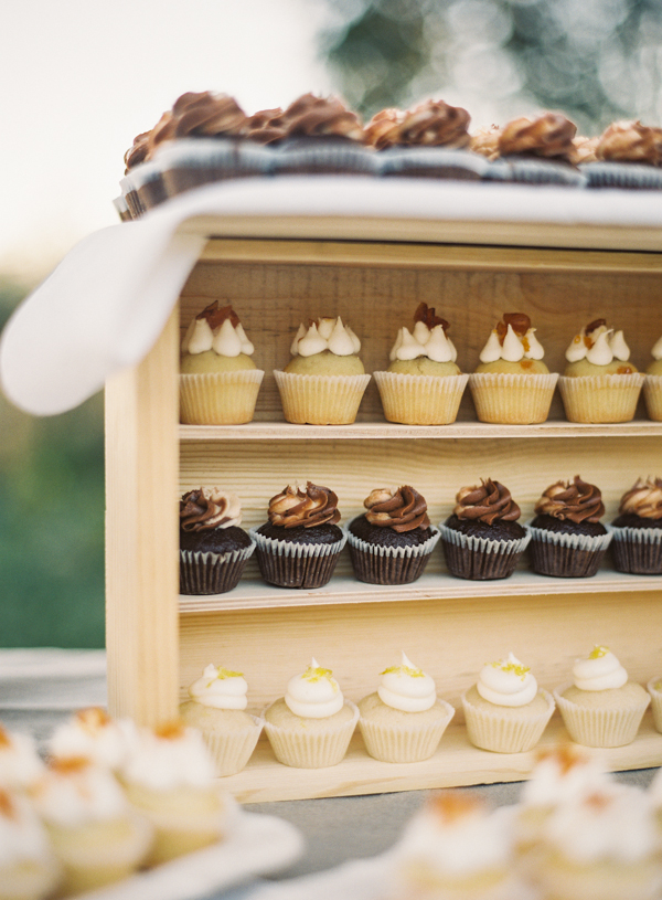 Cakes, Real Weddings, Wedding Style, brown, Other Wedding Desserts, Cupcakes, Rustic Real Weddings, West Coast Real Weddings, Summer Real Weddings, Vineyard Real Weddings, Rustic Weddings, Vineyard Weddings