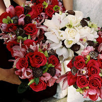 Flowers & Decor, Real Weddings, Wedding Style, pink, red, Updo, Bridesmaid Bouquets, Fall Weddings, Fall Real Weddings, Classic Wedding Flowers & Decor, Vineyard Wedding Flowers & Decor