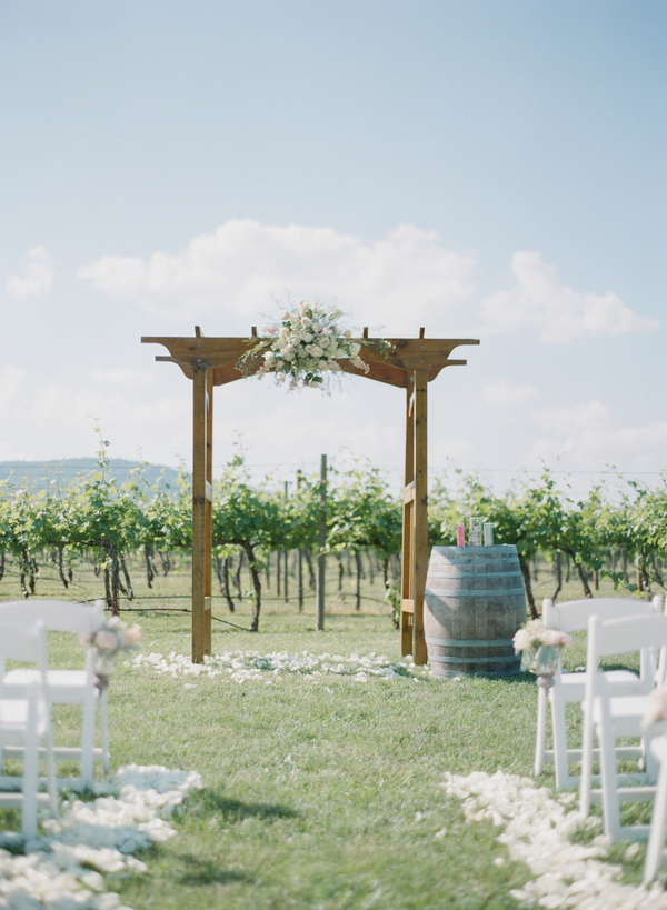 Flowers & Decor, Real Weddings, Wedding Style, green, Ceremony Flowers, Southern Real Weddings, Summer Weddings, Classic Real Weddings, Summer Real Weddings, Vineyard Real Weddings, Classic Weddings, Vineyard Weddings, Rustic Wedding Flowers & Decor, Summer Wedding Flowers & Decor