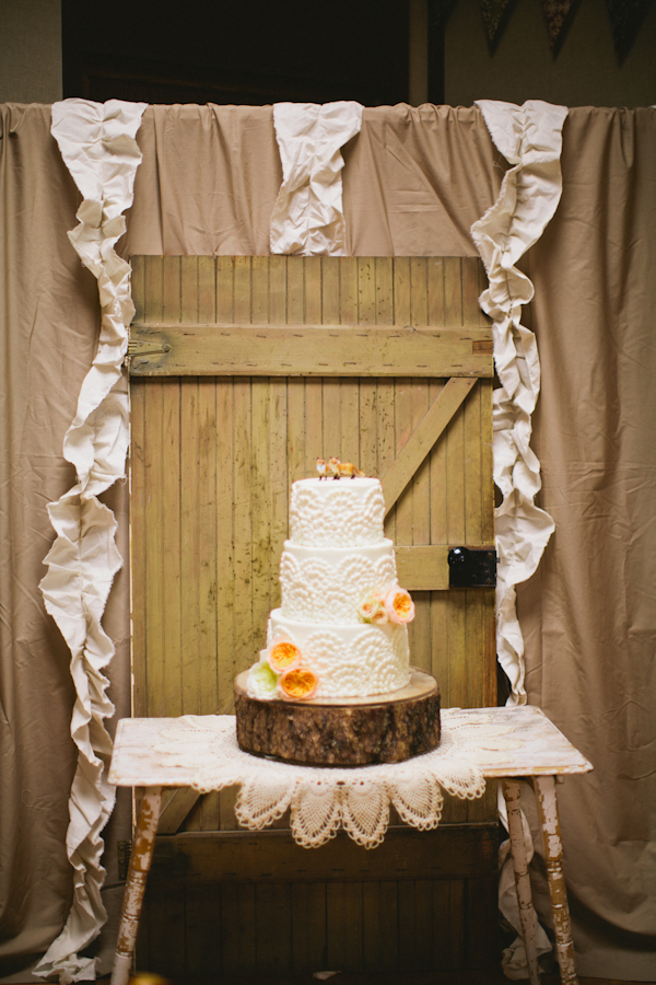 Reception, Cakes, Real Weddings, Fall Weddings, Rustic Real Weddings, Fall Real Weddings, Rustic Weddings, Peach, Lds wedding, LDS Real WEdding, Autumn Real Wedding, Autumn Weddings, DIY Real Weddings, DIY Weddings