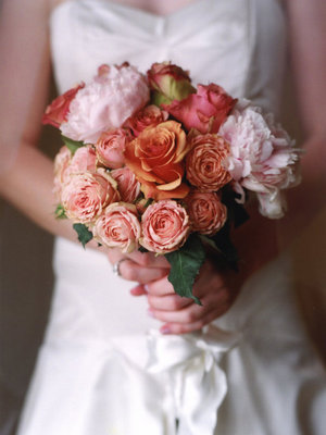 Flowers & Decor, Real Weddings, Wedding Style, orange, pink, Bride Bouquets, Fall Weddings, West Coast Real Weddings, Fall Real Weddings, Fall Wedding Flowers & Decor