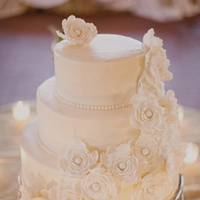 Cakes, Real Weddings, Wedding Style, ivory, Modern, Wedding Cakes, Modern Weddings, Elegant, Contemporary, Sophisticated, Sugar flowers, Wisconsin Real Weddings, wisconsin weddings