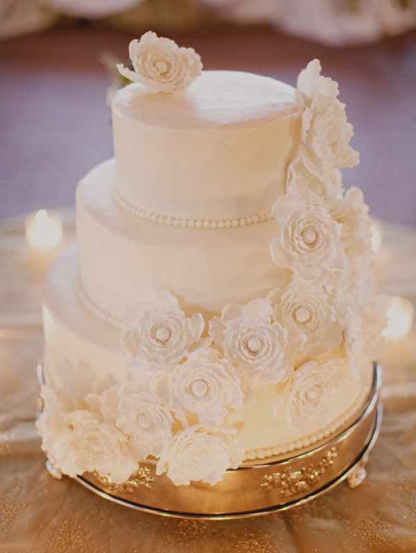 Cakes, Real Weddings, Wedding Style, ivory, Modern, Wedding Cakes, Modern Weddings, Elegant, Contemporary, Sophisticated, Sugar flowers