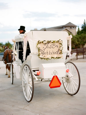 Flowers & Decor, Real Weddings, Wedding Style, white, Spring Weddings, Midwest Real Weddings, Spring Real Weddings, Vintage Wedding Flowers & Decor