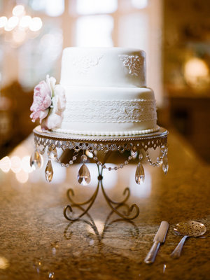 Cakes, Real Weddings, Wedding Style, white, Vintage Wedding Cakes, Wedding Cakes, Spring Weddings, Midwest Real Weddings, Spring Real Weddings