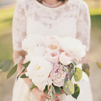 Flowers & Decor, Real Weddings, Wedding Style, Bride Bouquets, Rustic Real Weddings, Spring Weddings, Midwest Real Weddings, Spring Real Weddings, Vintage Real Weddings, Rustic Weddings, Vintage Weddings, Rustic Wedding Flowers & Decor, Spring Wedding Flowers & Decor, Vintage Wedding Flowers & Decor, Pastel