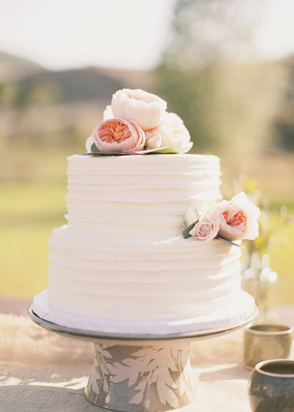 simple wedding cakes no fondant pink roses