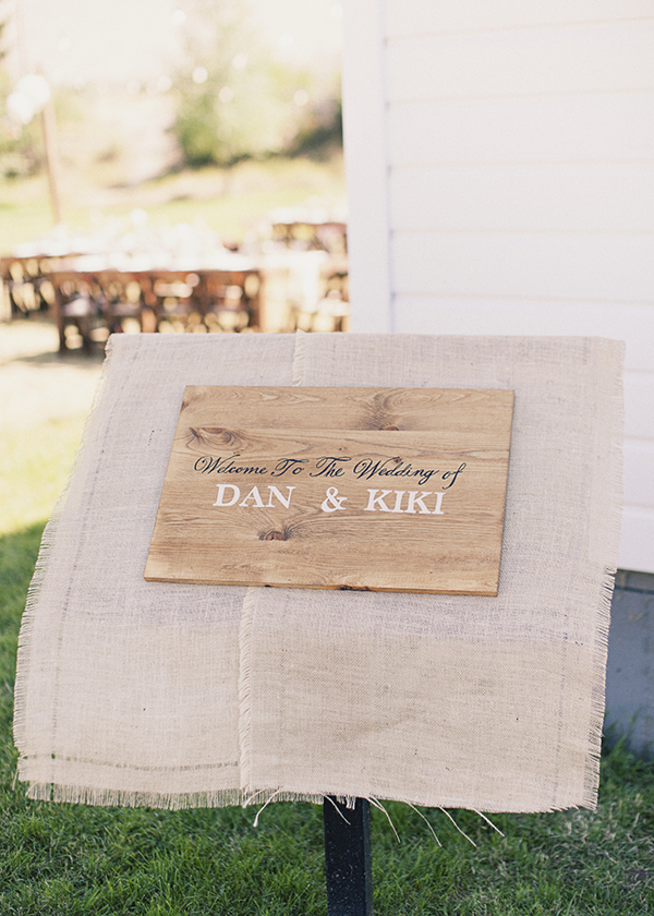 Flowers & Decor, Real Weddings, Wedding Style, brown, Rustic Real Weddings, Spring Weddings, Midwest Real Weddings, Spring Real Weddings, Vintage Real Weddings, Rustic Weddings, Vintage Weddings, Rustic Wedding Flowers & Decor, Burlap, Tan, Wedding signs