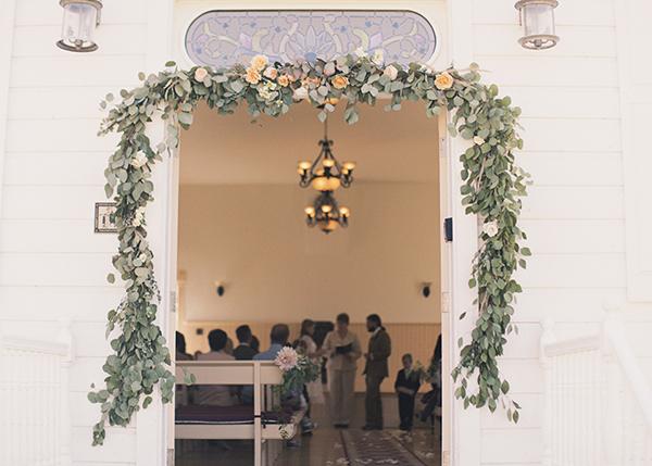 Flowers & Decor, Real Weddings, Wedding Style, Ceremony Flowers, Rustic Real Weddings, Spring Weddings, Midwest Real Weddings, Spring Real Weddings, Vintage Real Weddings, Rustic Weddings, Vintage Weddings, Rustic Wedding Flowers & Decor