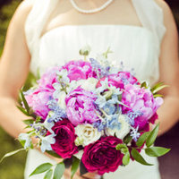 Flowers & Decor, Real Weddings, Wedding Style, pink, purple, Bride Bouquets, Modern Real Weddings, Summer Weddings, West Coast Real Weddings, Summer Real Weddings, Modern Weddings, Modern Wedding Flowers & Decor
