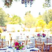 Real Weddings, Wedding Style, Summer Weddings, Summer Real Weddings, West Coast Real Weddings, Modern Weddings, Modern Real Weddings, Vintage Weddings, Vintage Real Weddings, Flowers & Decor, Centerpieces, Table settings, blue, pink, Vintage Wedding Flowers & Decor