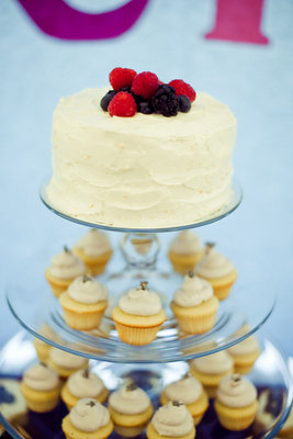 Cakes, Real Weddings, Wedding Style, Modern Wedding Cakes, Wedding Cakes, Modern Real Weddings, Summer Weddings, West Coast Real Weddings, Summer Real Weddings, Modern Weddings