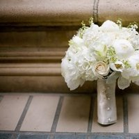 Flowers & Decor, Real Weddings, Wedding Style, white, Bride Bouquets, West Coast Real Weddings, Classic Real Weddings, Classic Weddings, Classic Wedding Flowers & Decor
