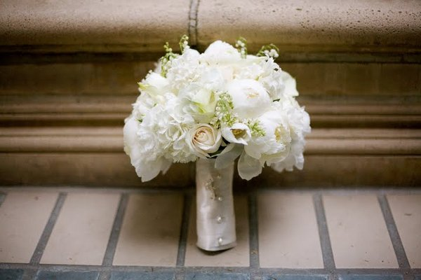 Flowers & Decor, Real Weddings, Wedding Style, white, Bride Bouquets, West Coast Real Weddings, Classic Real Weddings, Classic Weddings, Classic Wedding Flowers & Decor