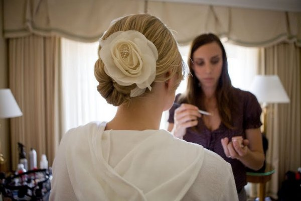 Beauty, Real Weddings, Wedding Style, Updo, West Coast Real Weddings, Classic Real Weddings, Classic Weddings, Hair flower