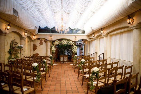 Flowers & Decor, Real Weddings, Wedding Style, Ceremony Flowers, West Coast Real Weddings, Classic Real Weddings, Classic Weddings, Classic Wedding Flowers & Decor