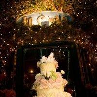 Cakes, Real Weddings, Wedding Style, Classic Wedding Cakes, Floral Wedding Cakes, Wedding Cakes, West Coast Real Weddings, Classic Real Weddings, Classic Weddings