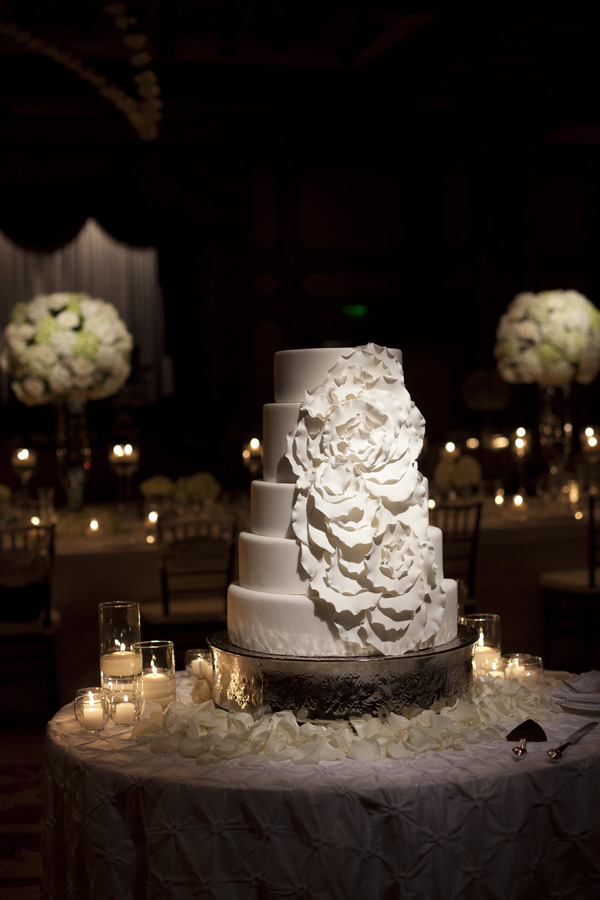 Cakes, Real Weddings, Wedding Style, ivory, Modern, Round Wedding Cakes, Wedding Cakes, West Coast Real Weddings, Classic Real Weddings, Classic Weddings, West Coast Weddings, Monochromatic Wedding, contemporary cake