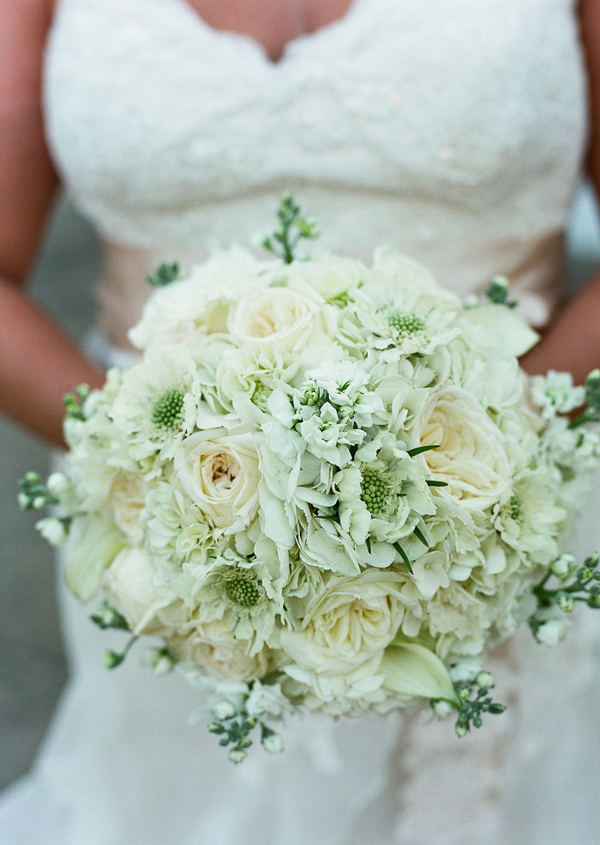 Flowers & Decor, Real Weddings, Wedding Style, ivory, Bride Bouquets, Fall Weddings, Modern Real Weddings, Southern Real Weddings, Fall Real Weddings, Glam Real Weddings, Glam Weddings, Modern Weddings, Classic Wedding Flowers & Decor