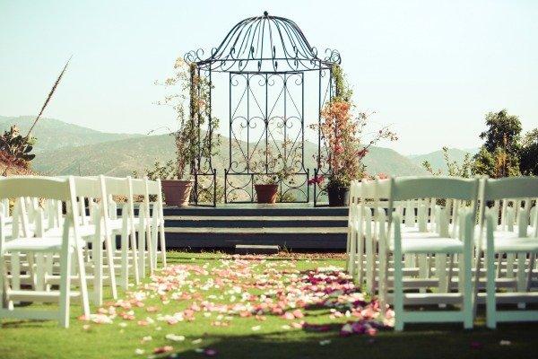 Flowers & Decor, Real Weddings, Wedding Style, Ceremony Flowers, Summer Weddings, West Coast Real Weddings, Summer Real Weddings, Summer Wedding Flowers & Decor