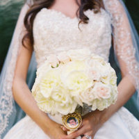 Flowers & Decor, Real Weddings, Wedding Style, white, Bride Bouquets, Summer Weddings, West Coast Real Weddings, Classic Real Weddings, Glam Real Weddings, Summer Real Weddings, Classic Weddings, Glam Weddings, Classic Wedding Flowers & Decor, Glam Wedding Flowers & Decor