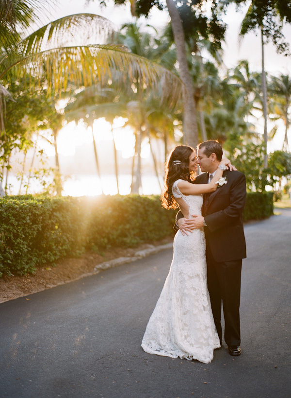 Real Weddings, Elegant, Glamorous, Monique lhuillier, Old hollywood, Jessica Lorren Organic Photography