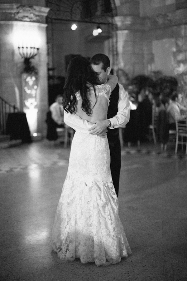 Reception, Real Weddings, First dance, Lace, Elegant, Glamorous, Monique lhuillier, Old hollywood, Jessica Lorren Organic Photography