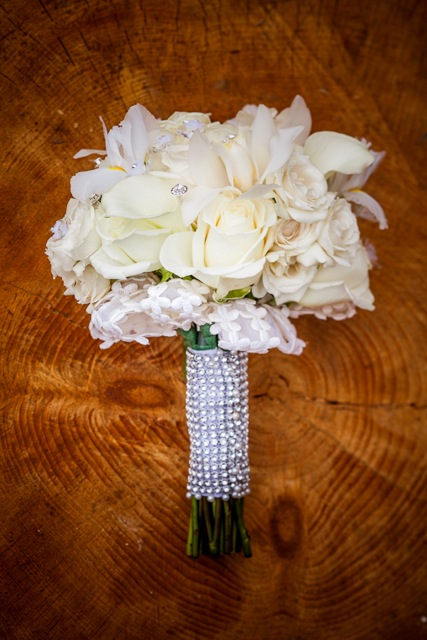 Flowers & Decor, Real Weddings, Wedding Style, white, Bride Bouquets, Fall Weddings, Fall Real Weddings, Glam Real Weddings, Glam Weddings, Classic Wedding Flowers & Decor, Glam Wedding Flowers & Decor, mid-atlantic real weddings