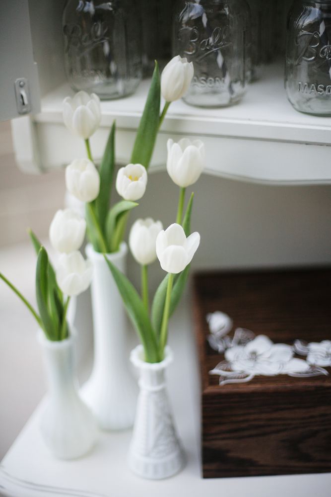 Flowers & Decor, Real Weddings, ivory, Elegant, Tulips, Chic, Sophisticated, Mason jars, Northeast weddings