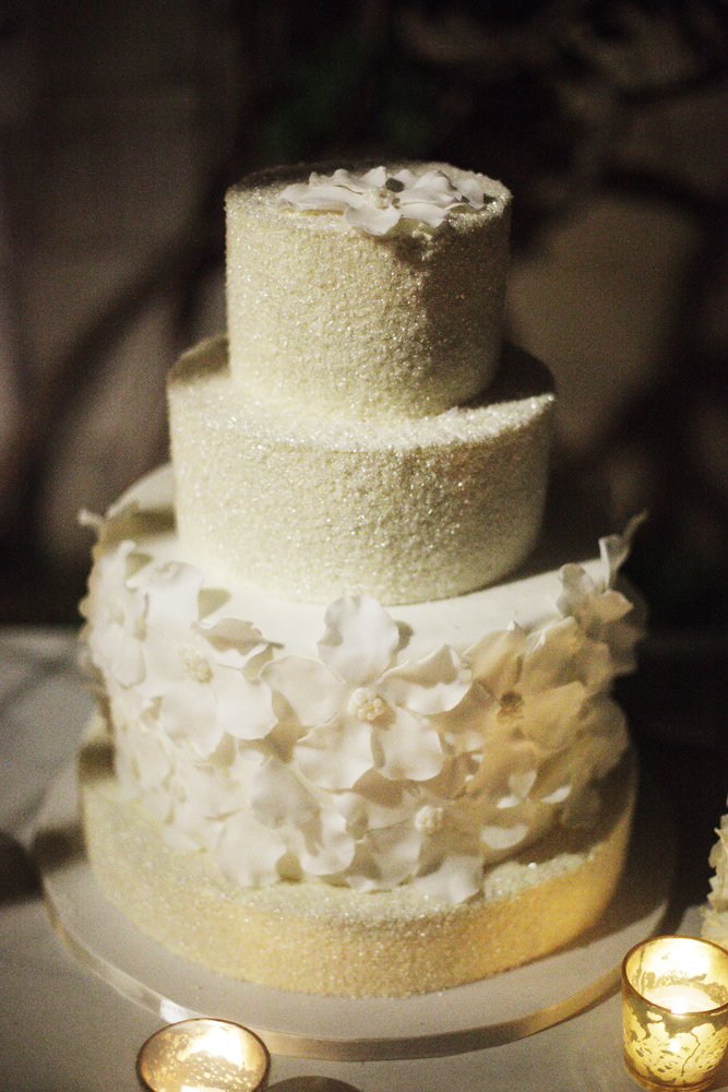 Cakes, Real Weddings, Wedding Style, ivory, cake, Floral Wedding Cakes, Glam Wedding Cakes, Round Wedding Cakes, Wedding Cakes, Classic Weddings, Floral, Elegant, Chic, Sugar, Sophisticated, Textured, Northeast weddings, washington dc real weddings, washington dc weddings, metallic wedding cakes